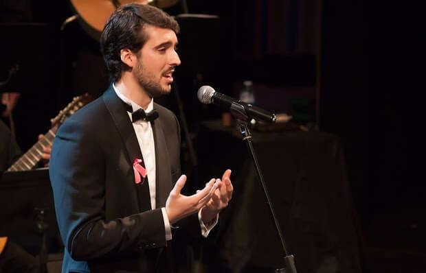 Juan de Dios Mateos Segura enters at the Paris Opera - artandscores.com